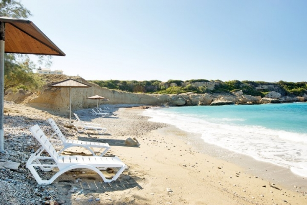 aquamarine-beach-115602577-7F77-5E85-BE85-4913367FC54C.jpg