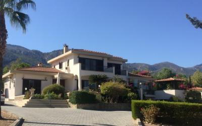 VILLA IN CATALKOY WITH 11 DONUM LAND